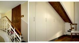 Mansarda: Scala d'accesso e particolari camera da letto